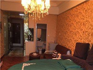 悅居1室1厅1卫1500元/月
