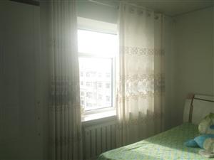 龙华小区2室1厅1卫33万元