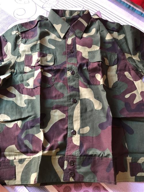 现有全新短袖迷彩服套装,质量好,适合175身高以下穿着。