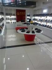 现有鞋柜货架出售,只用1年,9成新,价格从优,有意者,请来电