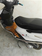 二手摩托车转让  7成新  白色  外观完整  动力十足  非诚勿扰  价格面议  电话150794...