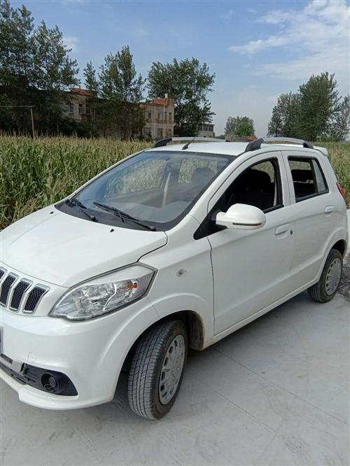 出售四轮四座低速电动车,一年多的车。有意者电联:18555571812价格面议,中介车贩子勿扰。