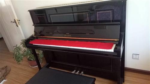 进口圣卡罗钢琴,全新,带琴凳,1个节拍器