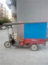 货箱长l米3,60伏20安,烧的角铁框架,牢固得很,电池还能跑一圈县城,适合送快递,车在岳池新消防队...