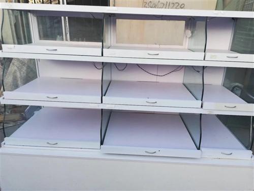二手柜台,有抽屉可滑动,价格面议,可摆食品等,尺寸合适,内有led灯条