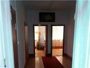 南岗客运站家属楼金太阳小区对面5室1厅3卫450元/月