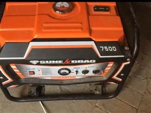 有一发电机,六千瓦,买了一年,基本没怎么用,九成新,有意者联系15802930236。