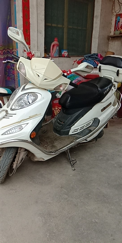 助力摩托车,一直在外打工,没怎么骑,谁要赶紧联系,交易地址:寄料镇