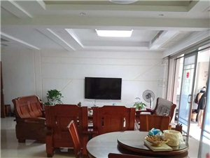 凤冠山庄159+26.5平精装修仅售235万元