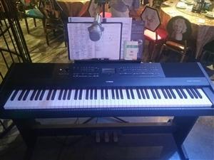 雅马哈电钢琴kbp2000,95新,17年初购入,由于在外地工作,一直闲置在家,今年8月份在音乐餐厅...
