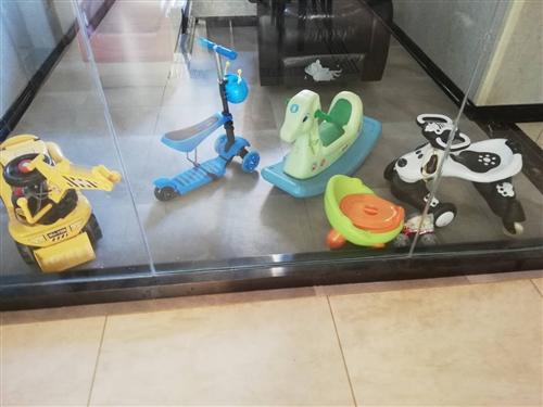 5个玩具车车,买回来都没咋玩,小孩子不玩,现在低价转让