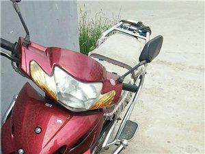 本人有一辆弯梁摩托出售,有意者联系我!
