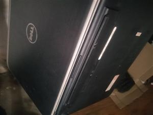 戴尔游戏笔记本电脑硬件问题开不了机 650甩卖  买了2年玩了9个月 6成新  能修 280可以修 ...