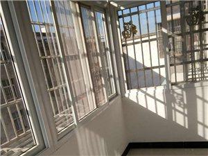 滨城国际南隔壁墙路边①排3室 2厅 1卫23.5万元
