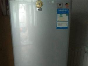 两台洗衣机,一台冰箱,搬家出售