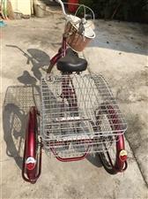 三轮自行车,九成新。本来买给老妈骑的,无奈老人家不会骑。只有选择转让。买时连运费差不多九百元。现低价...