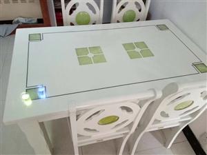 处理八成新大理石餐桌+4把椅子    餐桌长140     宽85     有人需要的话,致电联系 ...