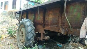 因外出打工,想处理二手农用拖拉机带铁车斗,附带轮式水泵和3.0kw电机水泵,另有大��110三轮摩托车...