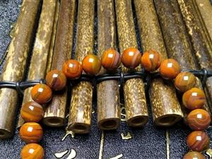 天然战国红玛瑙手串 花纹拉丝品质都非常好  微信414007856