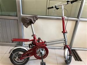 现有九成新自行车,可以伸长,正新轮胎,质量嘎嘎好出售。