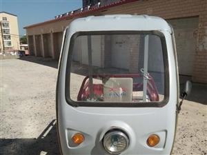 卖二手电动三轮车,电瓶新买的,车况好,1700元。