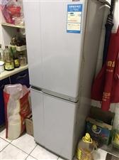 急售家用冰箱一台,王府花园,价格面议,非诚勿扰。电话:13001556026