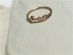 金戒指一枚,一个月左右,带过一次,800元,