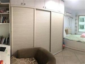 芹南路3室 2厅 2卫165万元