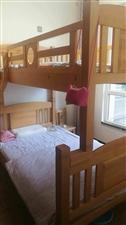 现有一个9成新上下床转让,下床1.2m,上床1m。全实木的(进口榉木),邻水城内自提