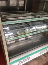 二手处理保鲜柜 两个4000元真空机 2500元联系电话15883932372