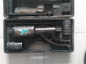 防滑链1100胎的一套150   减速扳手150  电话15114402277