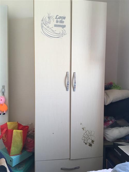 冰箱450,洗衣机500,壁挂炉2200,抽油烟机?灶600,电视机1800,电饭煲+烧水壶150元...