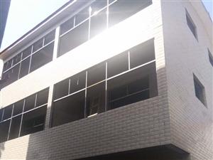 育英学校附近5室 2厅 3卫43万元