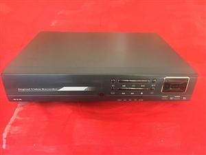 4录硬盘录像机,500G硬盘,带四个摄像头和电源,