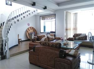 本人在炎陵县东山明珠有套复式楼262.83平米,欲出售,有意者请联系