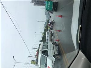 滨湖东路一起车祸