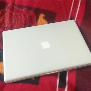 苹果笔记本,内存4+160g双系统,正常没毛病,成色好,配件齐全