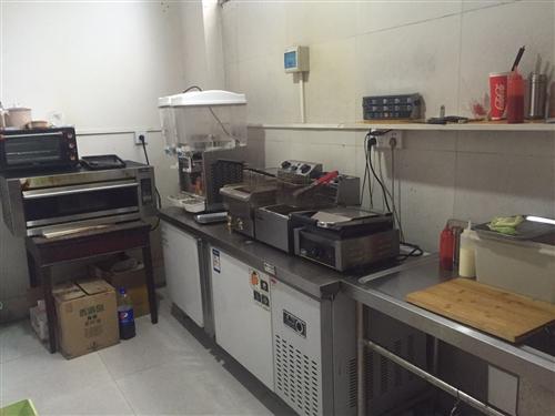 冷冻操作台 烤箱 冷热饮料机 电炸炉 电扒炉 冰柜 冷藏展示柜 桌椅 收银台 实木储物柜 全部使用不...