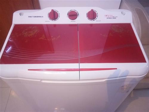 有一台二手半自动洗衣机出售,有需要请联系王女士,联系电话15771966652。