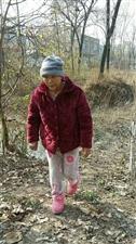 同学妈妈夜间在邢塘刘桥村走失,走的时候是穿着粉红色的睡衣,
