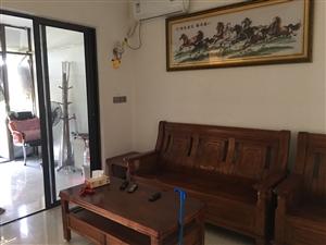 海滨假日两室一厅一厨一卫出租,家电齐全,拎包入住,方便至极!