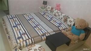 出售1.8米×2米的大床,副带床榻一套,九成新,使用一年左右,应换家具,现出售,价格面议,需要的联系...