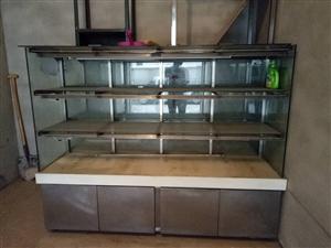 出售八成新烘焙展柜两节   规格180×120×60   价格面议