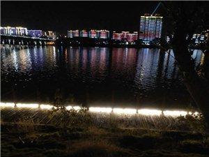 渡江南大道河堤护栏景观灯安装的刺眼