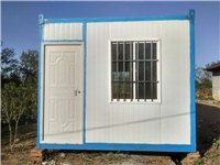 住人集裝箱房租售,長6米寬3米高2.6米 鋪設A級防火地板,配置節能燈2個開關2個,5孔電源插座4...