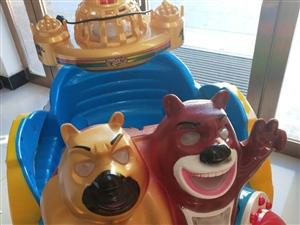 低价出售儿童摇摇车一台。