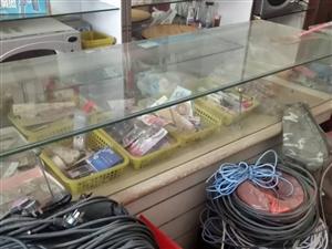 柜台出售  长4米2宽60厘米   需要请联系   无极西东门 有意者电话联系  137003103...