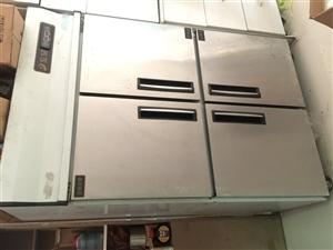 快餐店经营不善,所有设备低价出售。非诚勿扰。 1、四门冰箱 2、卧室冰柜 3、不锈钢冰箱工作台...