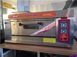 新南方品牌烘焙烤箱一层两盘 燃气烤箱,使用不到8个月。新南方烘焙店都知道是专业品牌,耐用安全,实用...