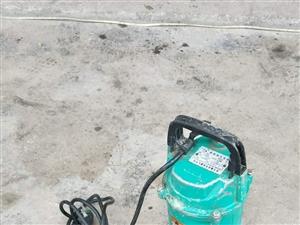 二手潜水泵,清水泵,未拆机,8成新,地址久庆新路流动补胎旁